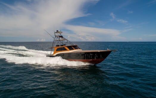 Motor Yacht Little Pipe running shot