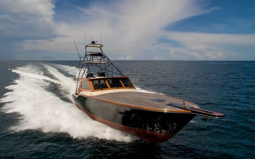 Motor Yacht Little Pipe cruising
