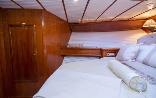 Motor Yacht Little Pipe double cabin