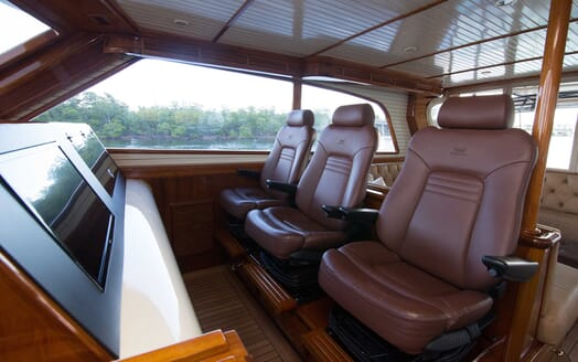 Motor Yacht Little Pipe interior