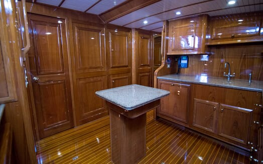 Motor Yacht Little Pipe galley