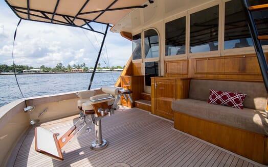 Motor Yacht Little Pipe aft deck
