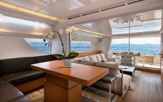 Motor Yacht EMOTION Main Deck Table and Saloon