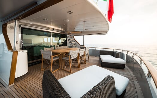 Motor Yacht PAOLUCCI Aft Deck Table