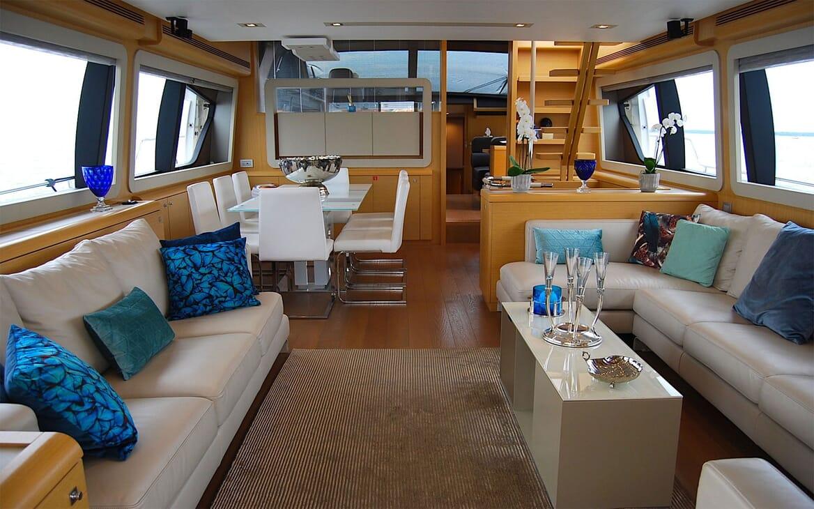 Motor Yacht JPS Main Saloon