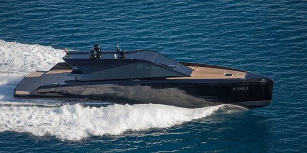 Motor Yacht Checkmate running shot