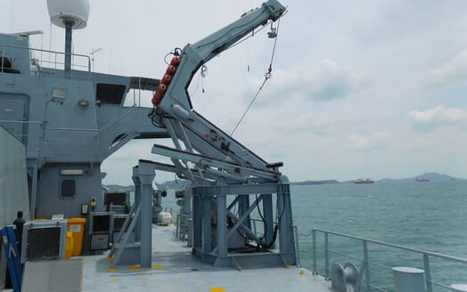 Motor Yacht Triton crane