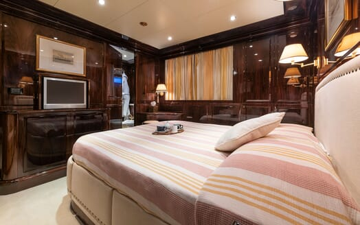 Motor Yacht BLUE MAGIC VIP Double Stateroom TV