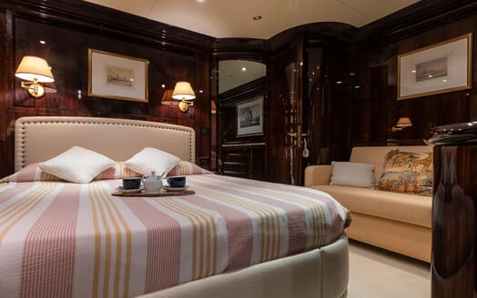 Motor Yacht BLUE MAGIC VIP Double Stateroom