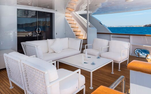 Motor Yacht BLUE MAGIC Main Aft Deck Seating
