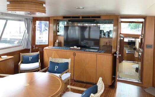 Motor Yacht Penelope living area