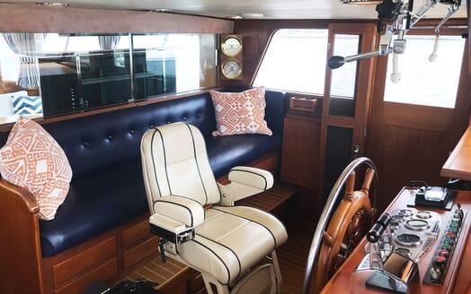 Motor Yacht Penelope bridge