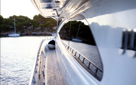 Motor Yacht Jurik side deck