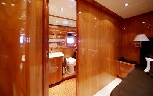 Motor Yacht Jurik stateroom