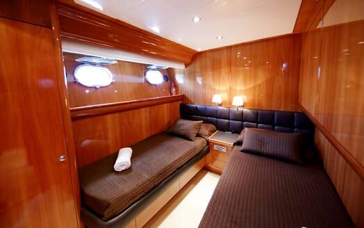 Motor Yacht Jurik twin cabin