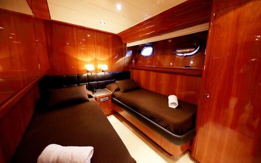 Motor Yacht Jurik twin stateroom