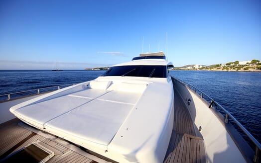 Motor Yacht Jurik foredeck