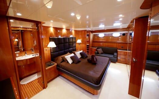 Motor Yacht Jurik VIP cabin