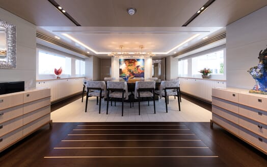 Motor Yacht Book Ends living area