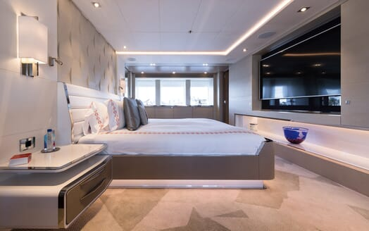 Motor Yacht Book Ends master cabin