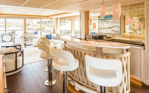 Motor Yacht Calypso Bar