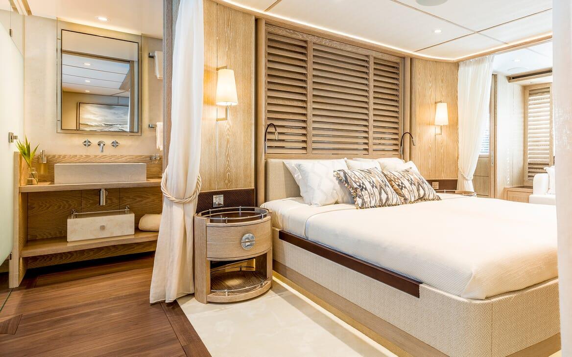 Motor Yacht Calypso Double Stateroom