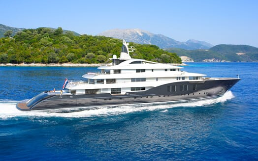 Motor Yacht ICON Underway