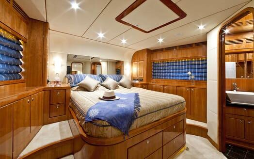 Motor Yacht SAMARIC Double Stateroom