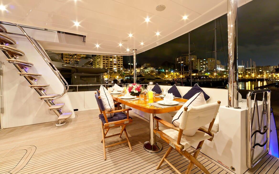 Motor Yacht SAMARIC Aft Deck Dining Table