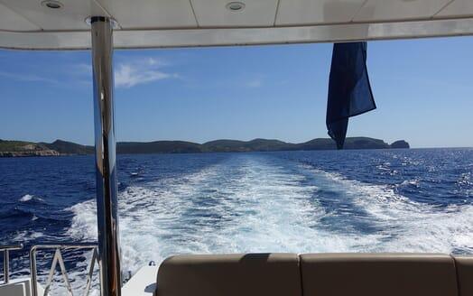 Motor Yacht SAMARIC Aft View