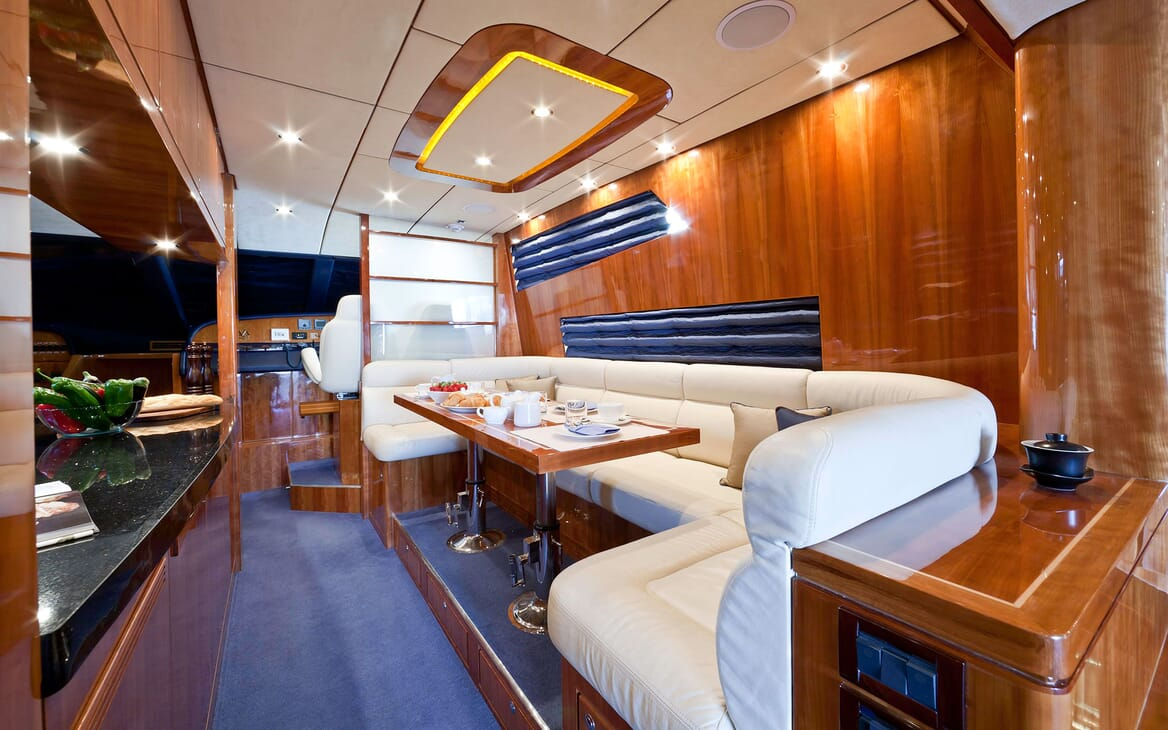 Motor Yacht SAMARIC Interior Dining Table