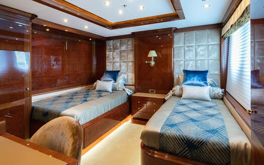 Motor Yacht KARIANNA Twin Guest Stateroom