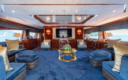 Motor Yacht KARIANNA Upper Deck Saloon