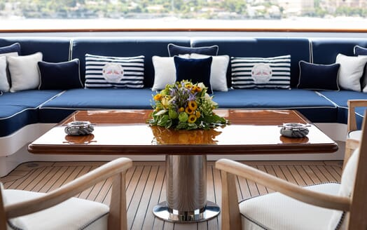Motor Yacht KARIANNA Table Detail