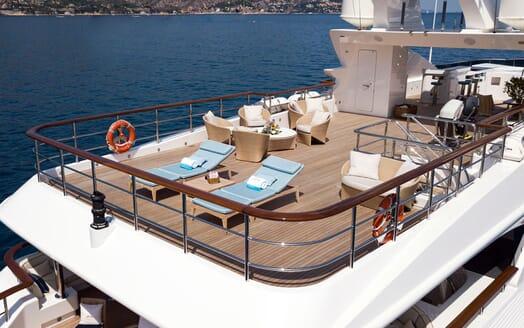 Motor Yacht KARIANNA Sun Dek Sun Lounger