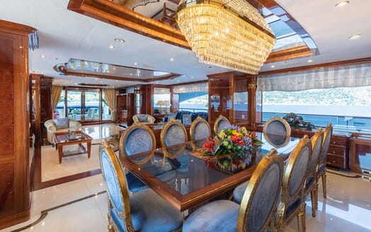 Motor Yacht KARIANNA Main Deck Dining Table