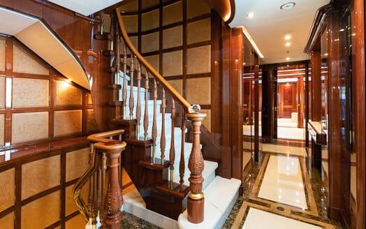 Motor Yacht KARIANNA Hallway