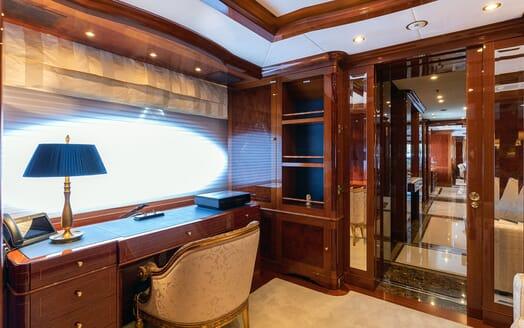 Motor Yacht KARIANNA Desk In Master Stateroom