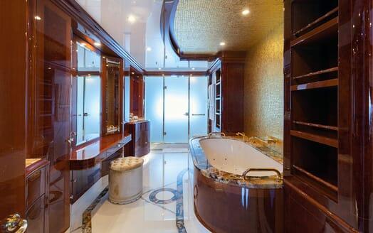 Motor Yacht KARIANNA Bathroom