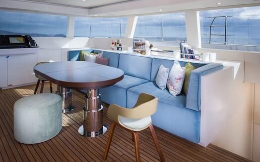 Sailing Yacht SAMADHI Main Saloon Soafs