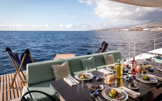 Sailing Yacht SAMADHI AL Fresco dining