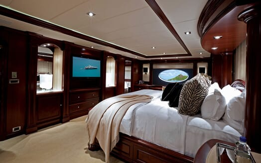 Motor Yacht ALESSANDRA Master Stateroom