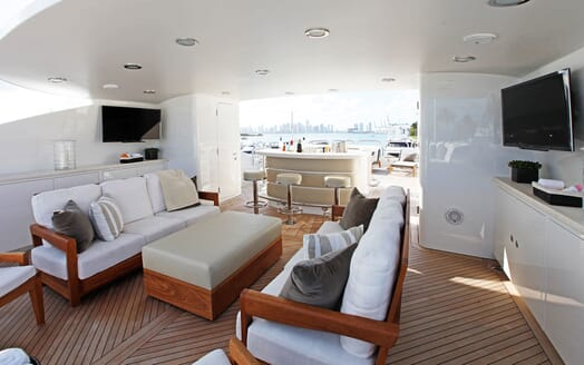 Motor Yacht ALESSANDRA Sun Deck Seating & Bar