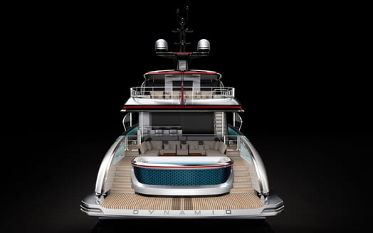 Motor Yacht Dynamiq 135 Aft View