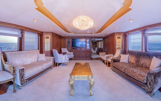Motor Yacht ELISEA NOVA Main Saloon