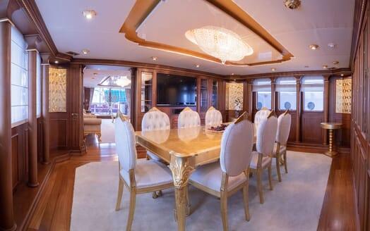 Motor Yacht ELISEA NOVA Dining Room