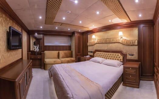 Motor Yacht ELISEA NOVA Guest Stateroom