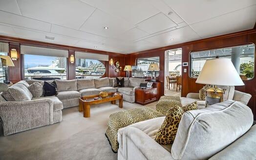 Motor Yacht ELISA Main Saloon