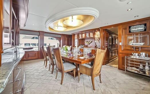 Motor Yacht ELISA Dining Room