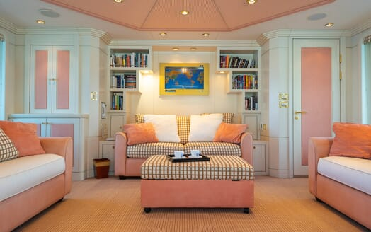 Motor Yacht Andrea Lounge
